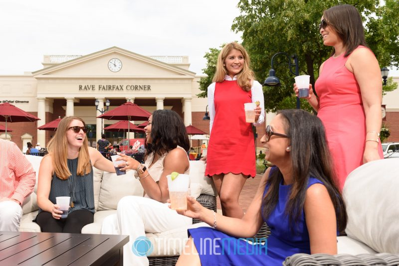 Models on the Plaza at Fairfax Corner ©TimeLine Media