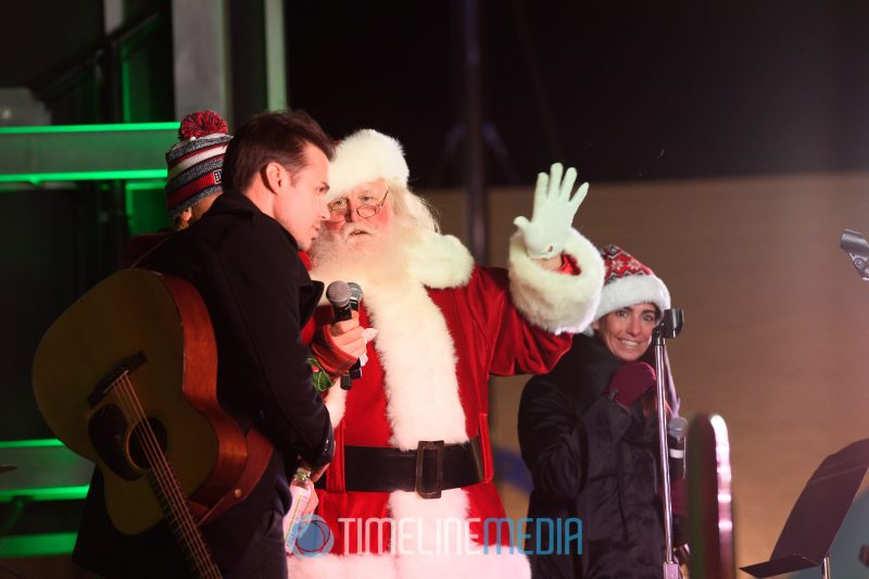 Santa introduces Kris Allen on the Plaza at Tysons Corner Center