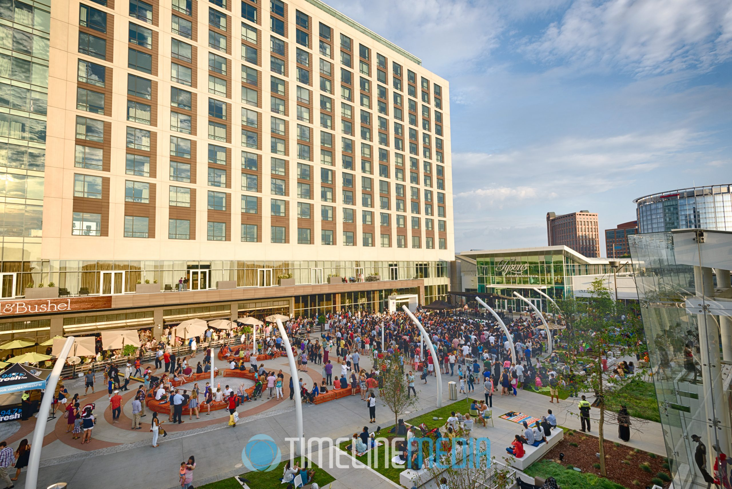 2016 Plaza Summer events at Macerich Tysons Corner Center