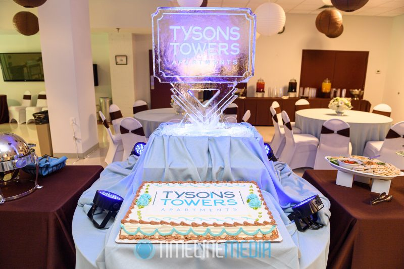 Ice sculpture and cake at the Tysons Towers Apartments ©TimeLine Media