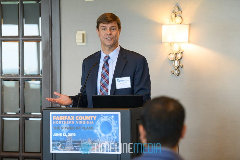 Steve Tozier, Ernst & Young speaking at the Tysons Tower Club ©TimeLine Media