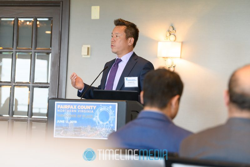 Benjamin Lin, Favor TechConsulting speaking at the Tysons Tower Club ©TimeLine Media