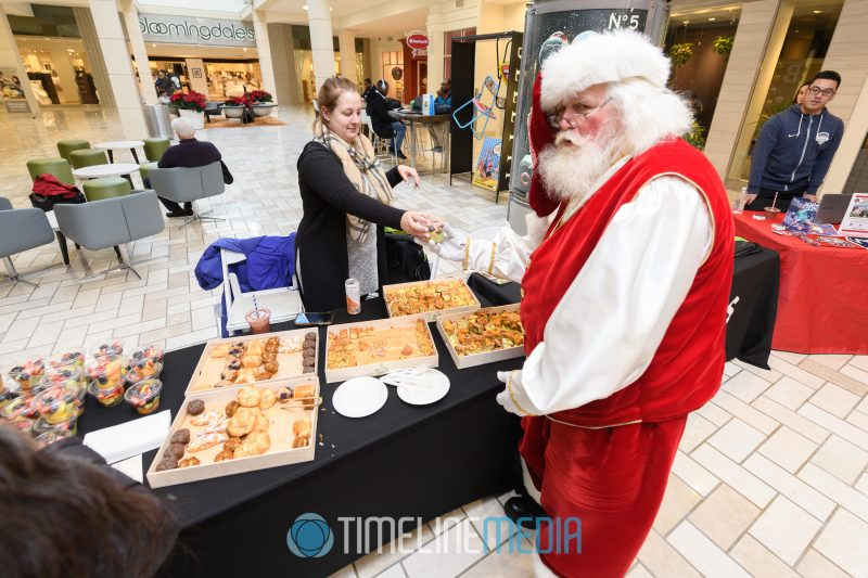 Santa getting some Le Pain Quotidien breakfast at Tysons Corner Center