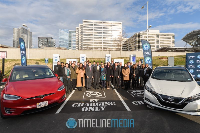 Cars and guests at the EVgo ribbon cutting ceremony in Tysons, VA ©TimeLine Media